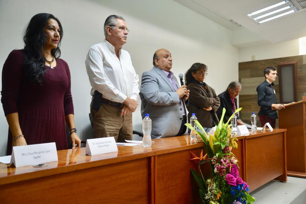 Miembros del presídium en declaratoria inaugural