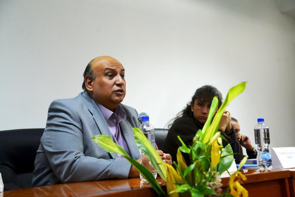 Mtro. Francisco Gutiérrez Rodríguez, ofreciendo discurso inaugural