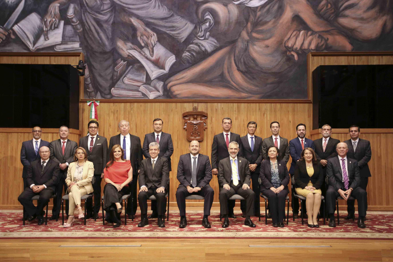 Fotografía general con nuevos rectores