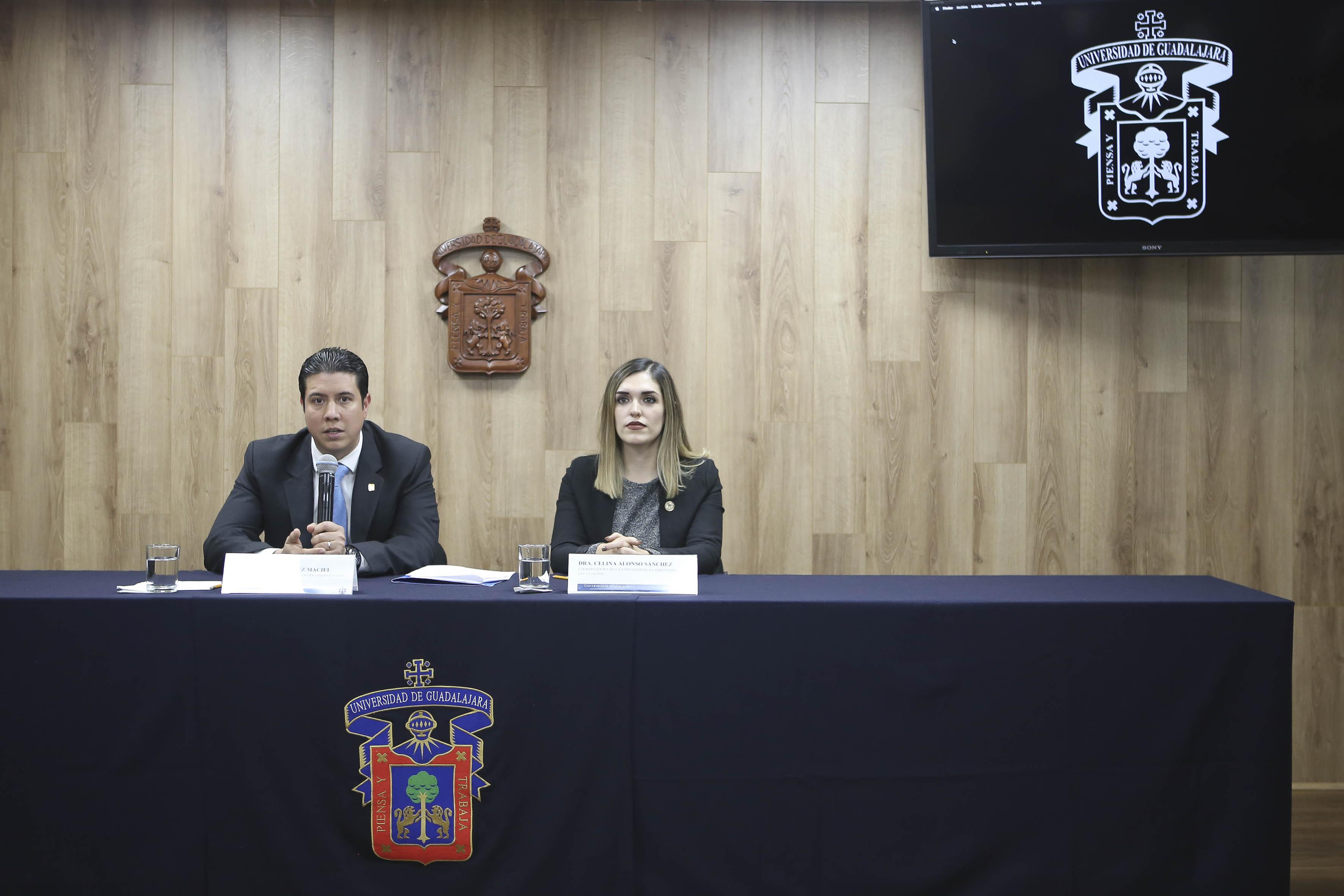 El doctor José María Chávez Maciel y la doctora Celina Alonso Sánchez