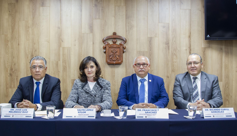 Miembros de Presídium Rueda de Prensa