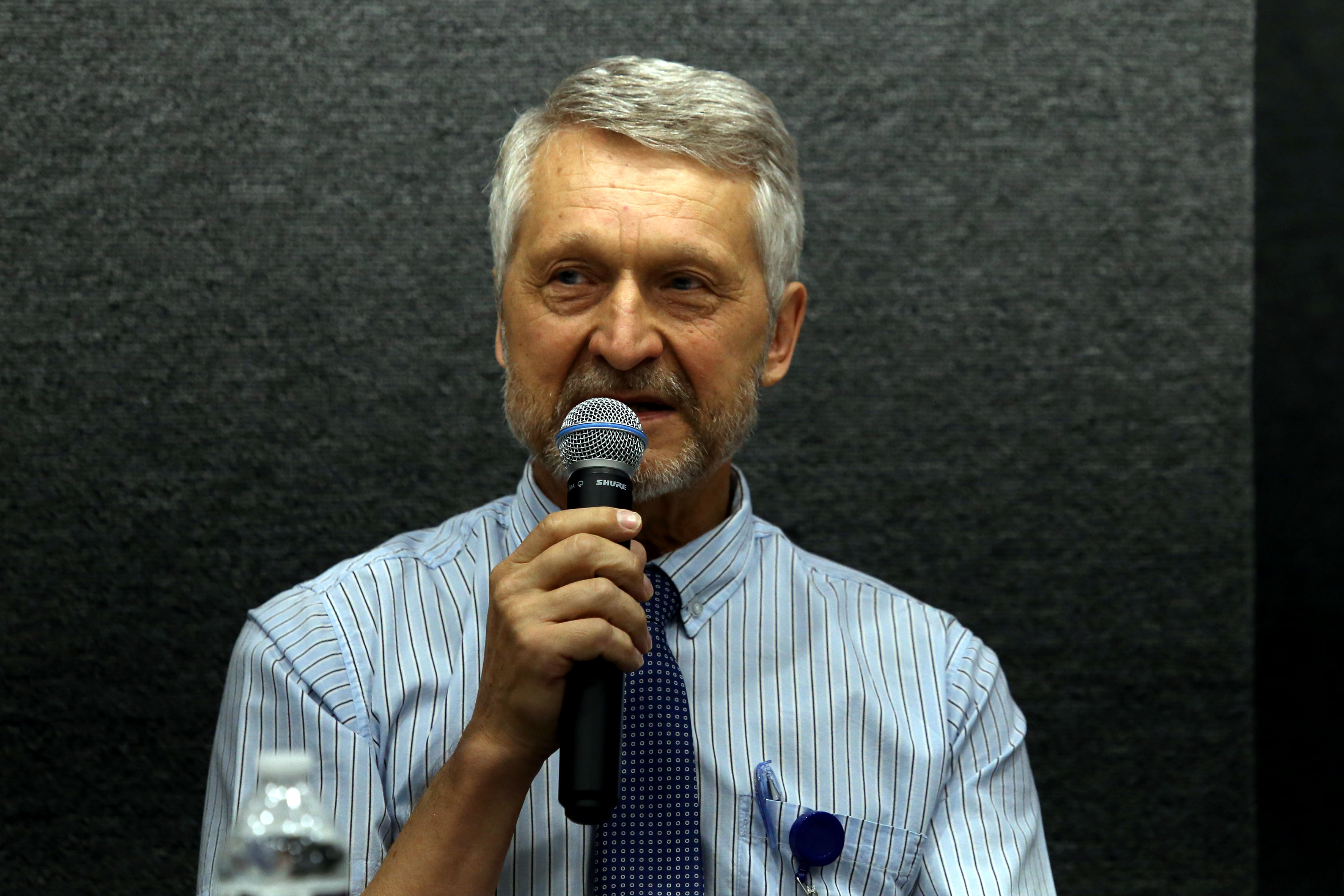 Dr.Evguenii Kourmychev, director del ITRANS al micrófono