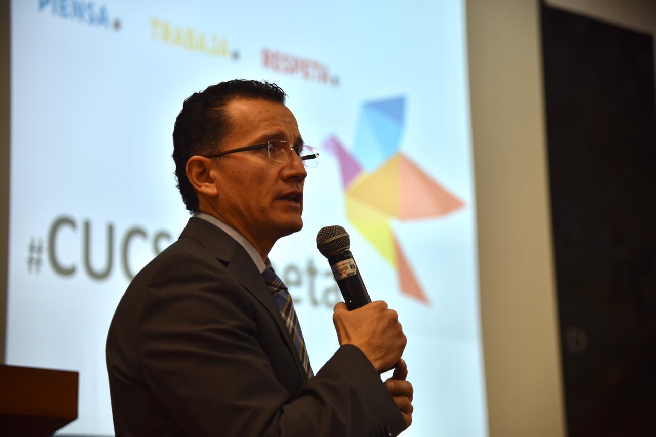 Director Primera División dando informe del estudio