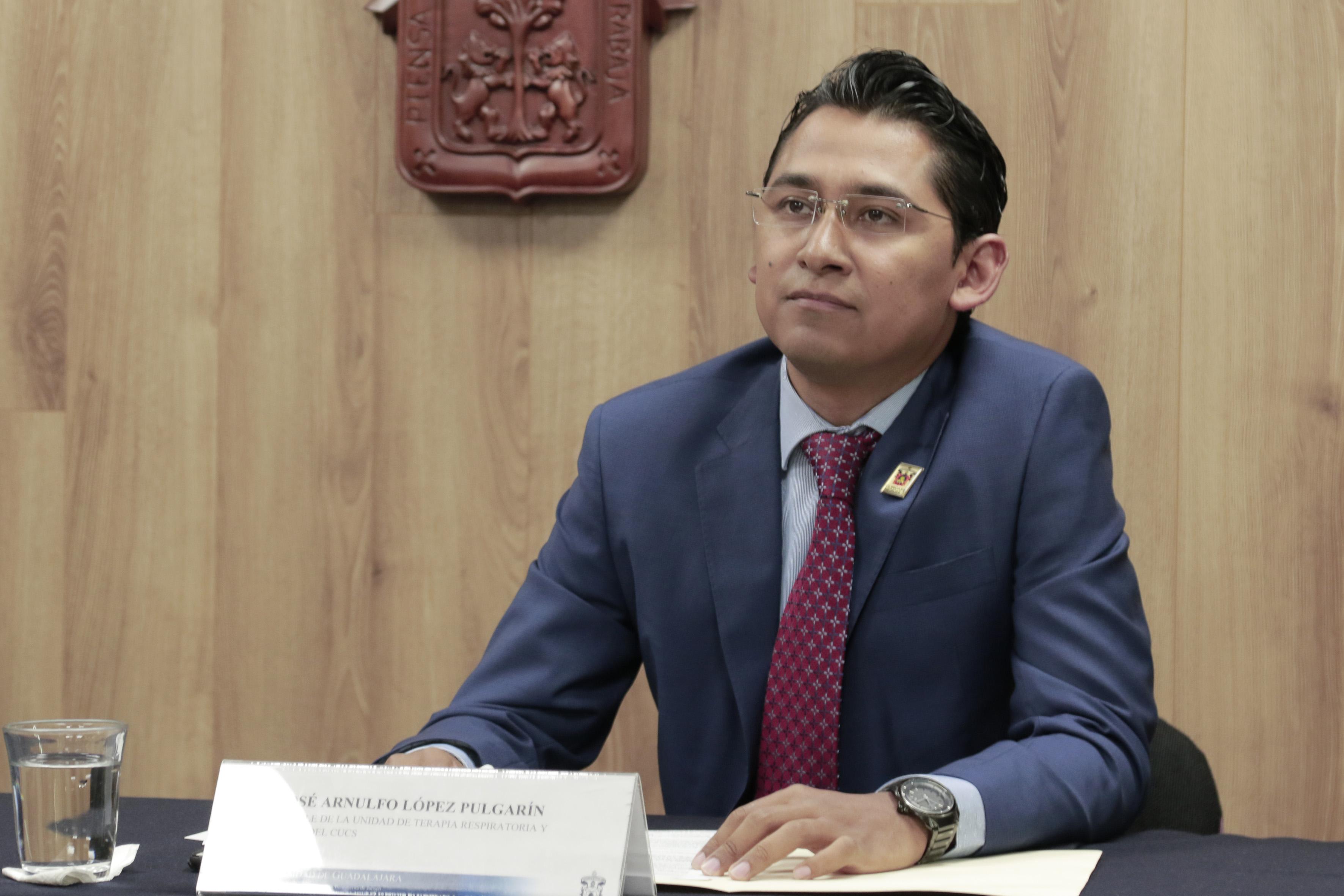 Dr. Arnulfo López a cuadro