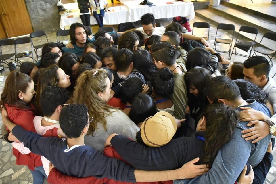 Participantes en reunión nacional de Movimiento sin Odio