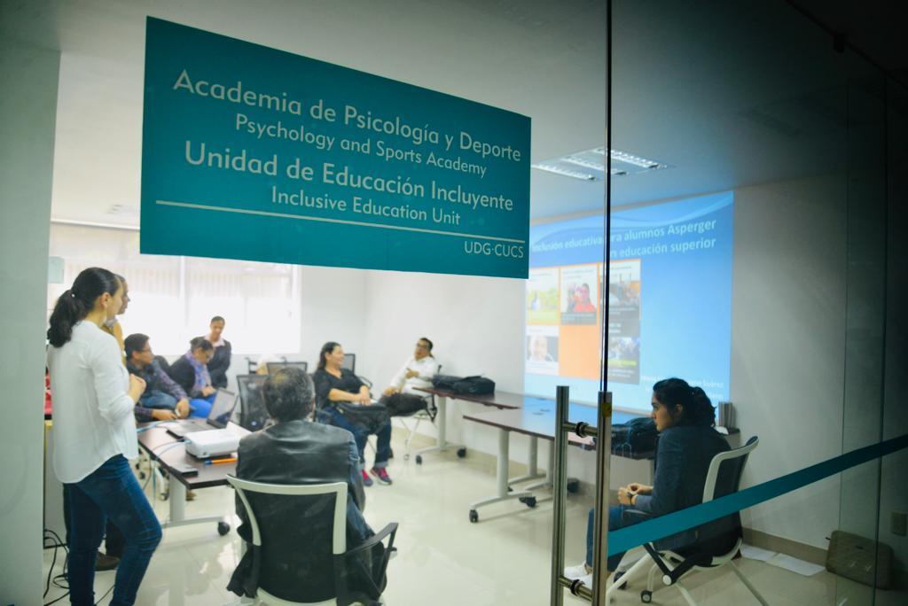 Se lleva a cabo el taller de inclusión en la unidad de inclusión