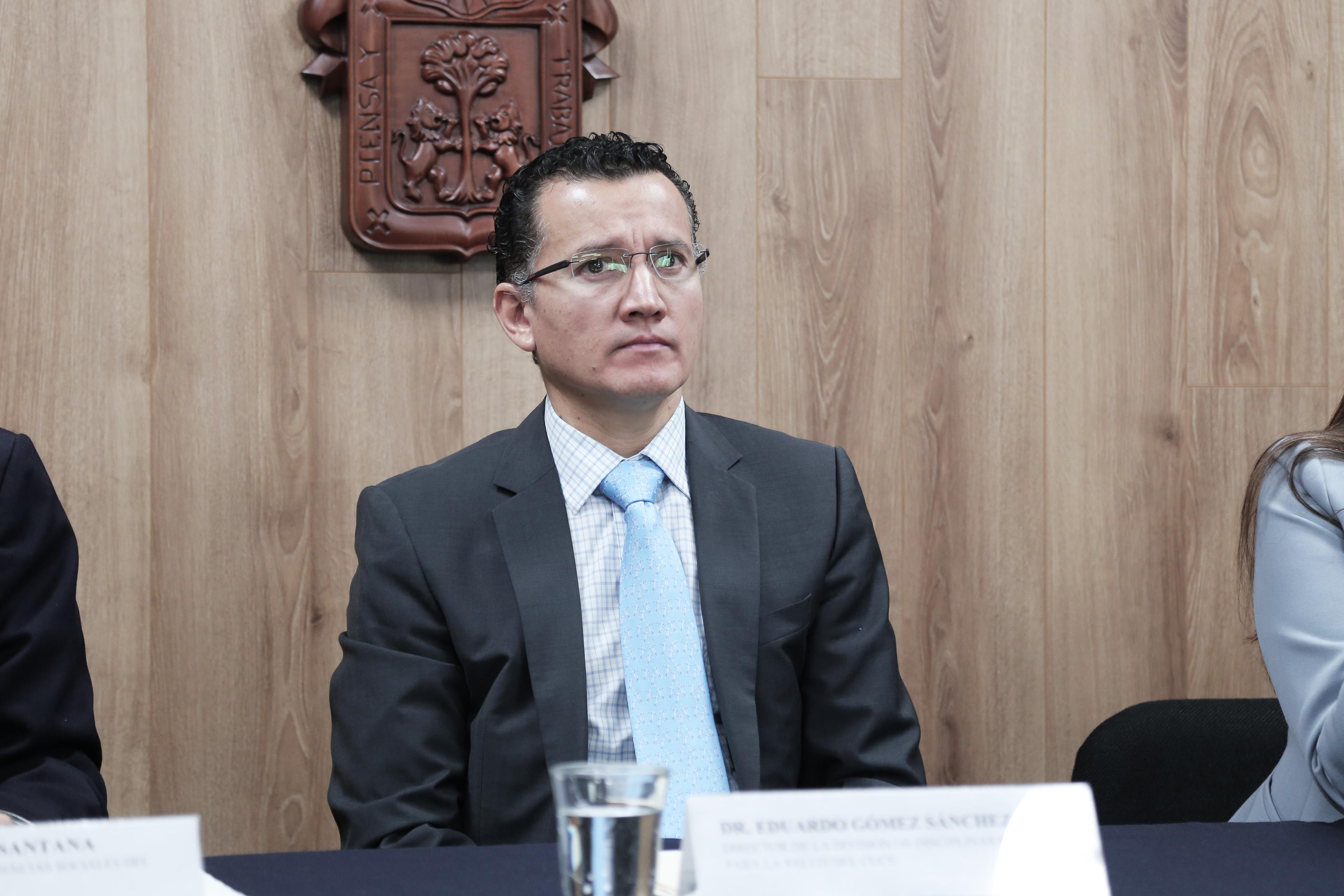 Dr. Eduardo Gómez
