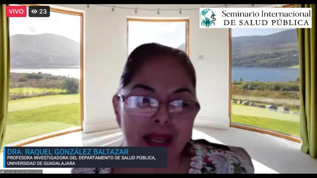Dra. Raquel González impartiendo conferencia virtual