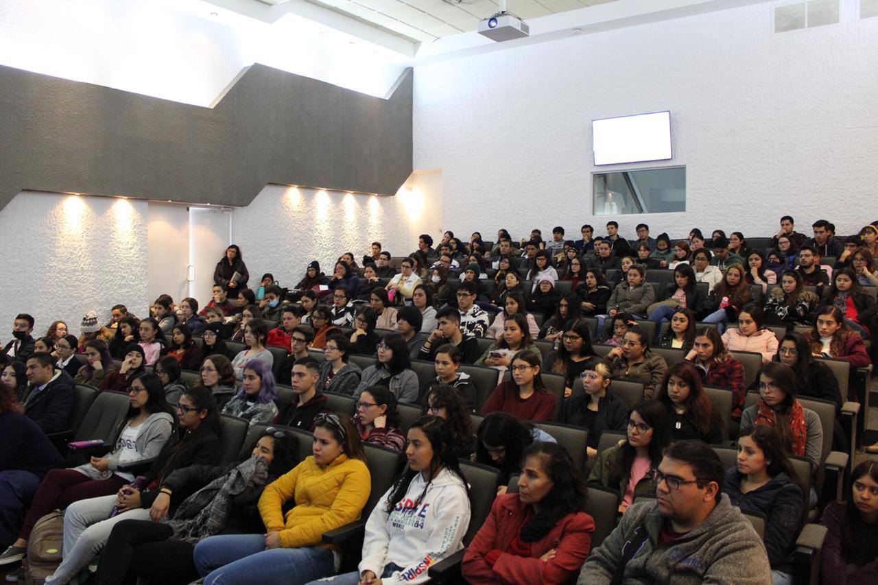 Foto general del auditorio a lleno total