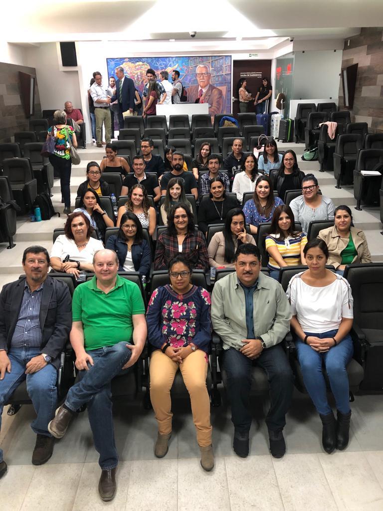 Foto grupal de las dos generaciones de alumnos del Doctorado