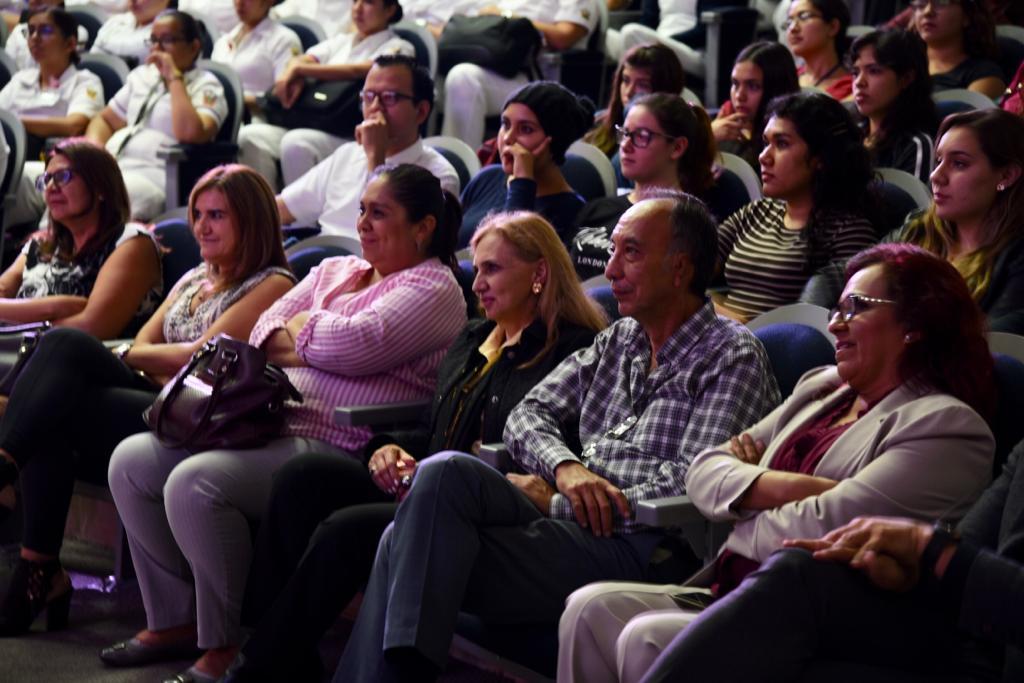Directivos de CUCS en butacas presentes en el auditorio