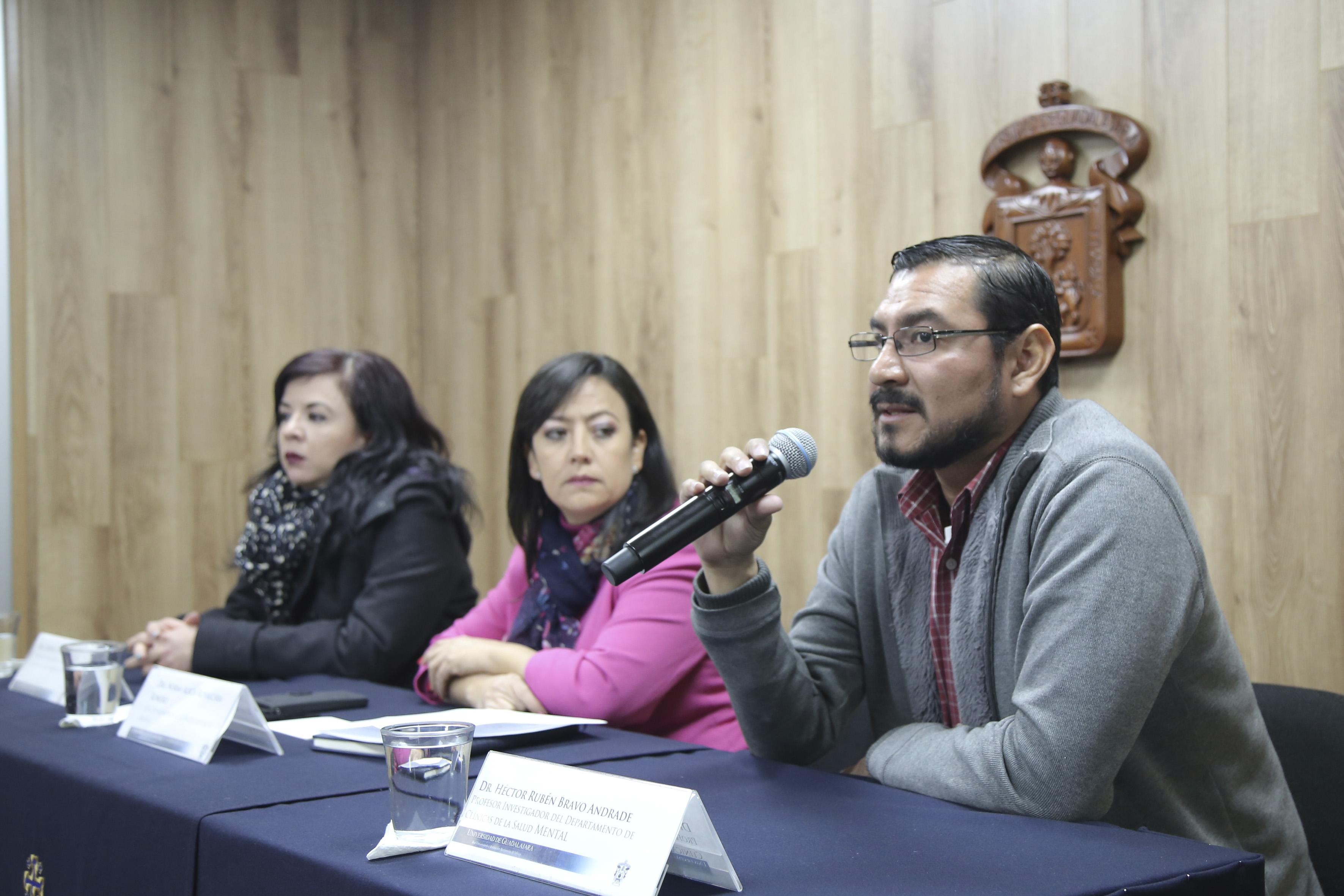 Miembros del presídium durante la rueda de prensa