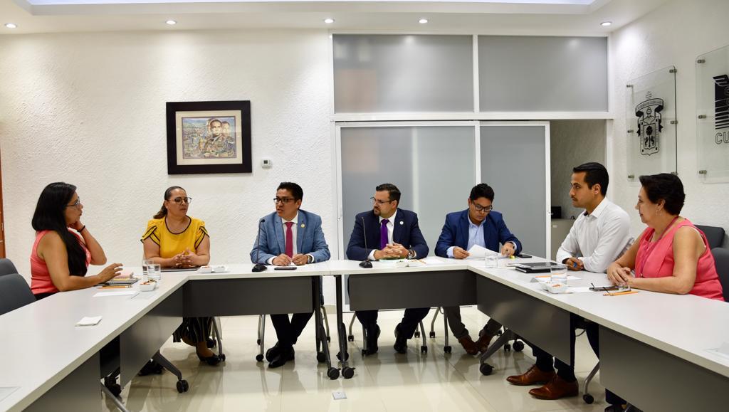 Reunión presidida por el rector del CUCS