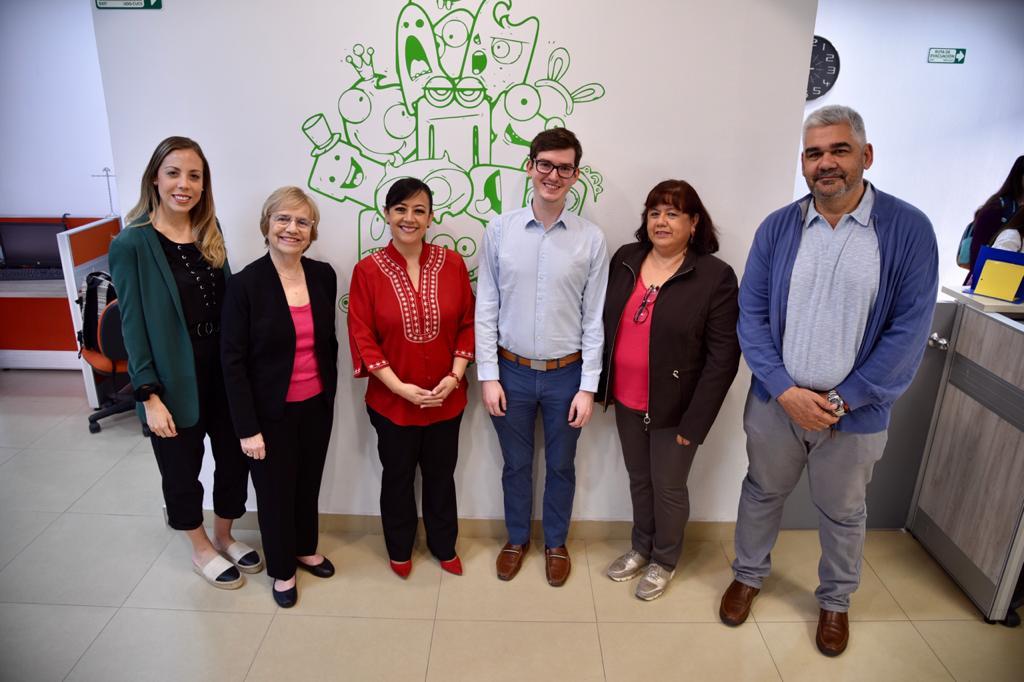 Grupo de académicos del INSPIEE y del CEPAC con visitantes del Consejo Mundial para Niños Dotados y Talentosos