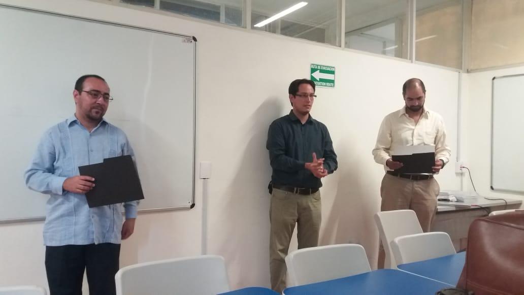 Grupo de profesores invitados, al centro el anfitrión Mtro. Aarón González