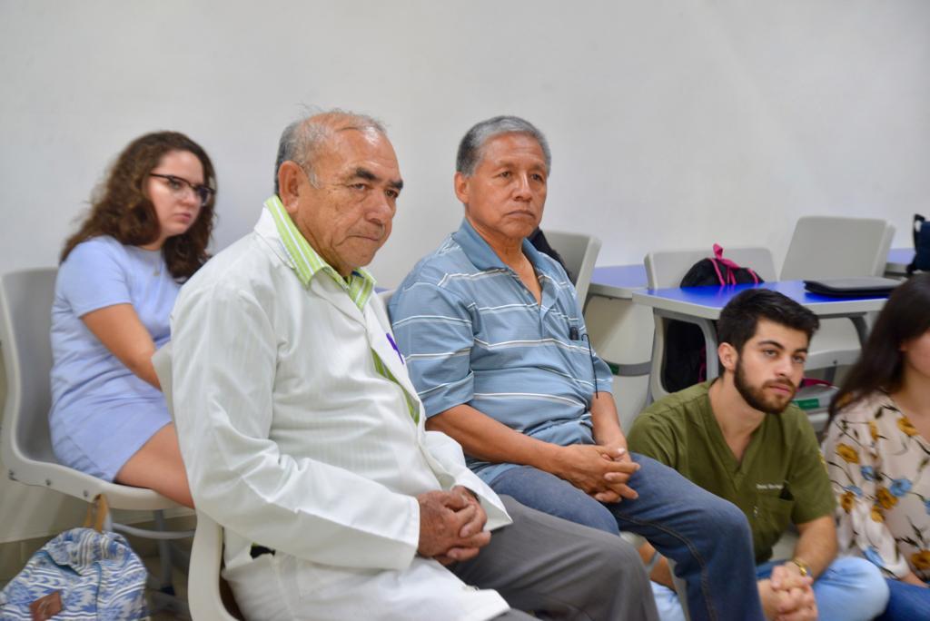 Dr. Alberto Reyes y Crispín, quien dio su testimonio