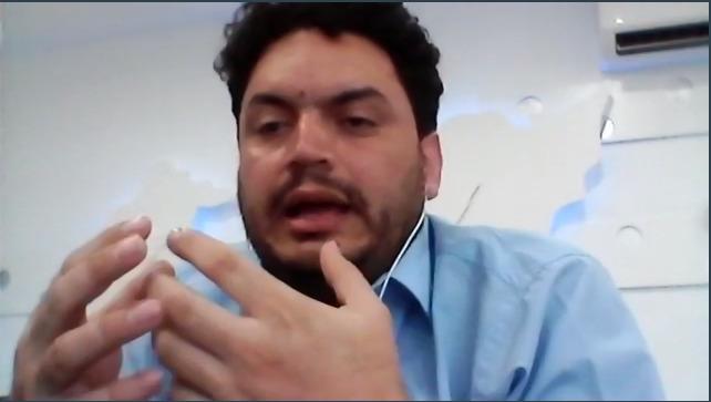 Captura de pantalla del Dr. Daniel Espinoza Duque impartiendo conferencia