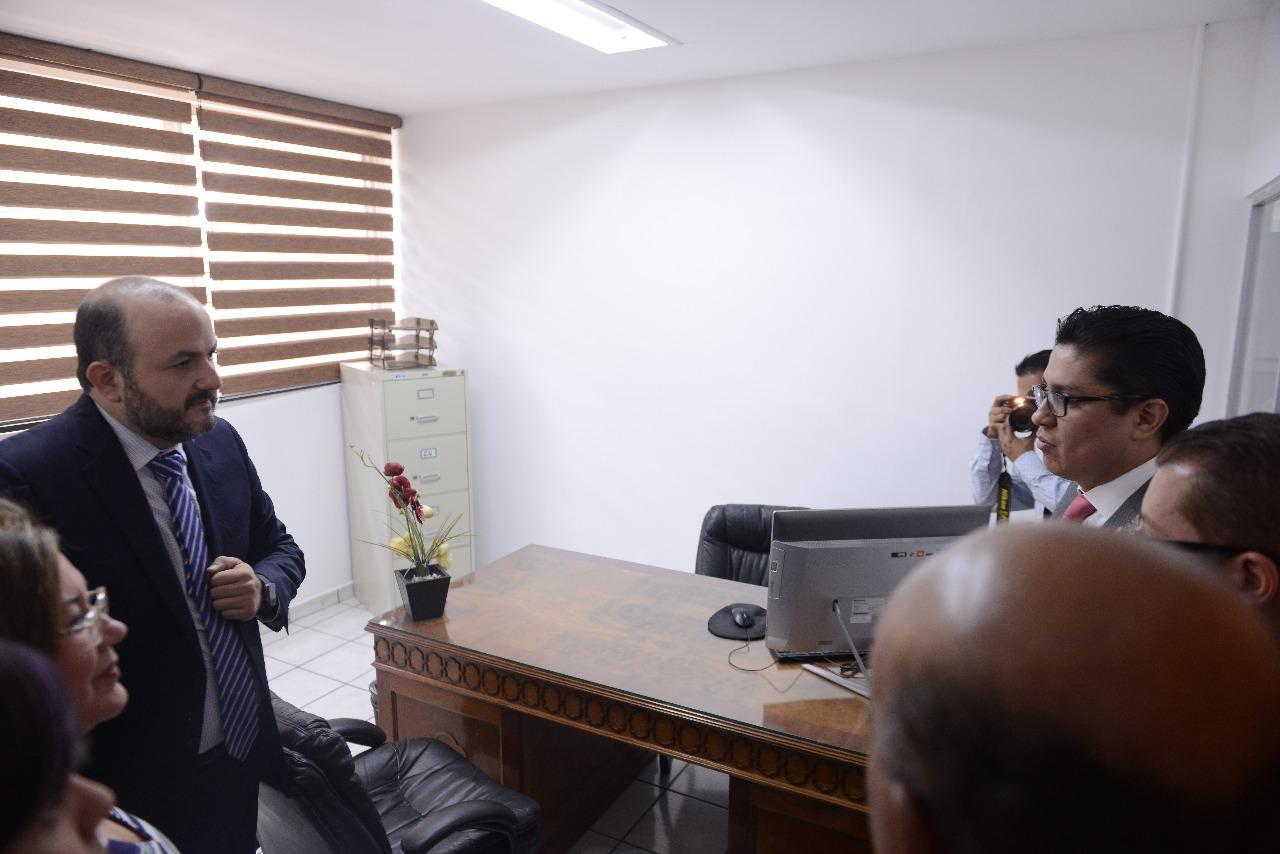 Rector General y rector del CUCS en Unidad de Defensoría del CUCS