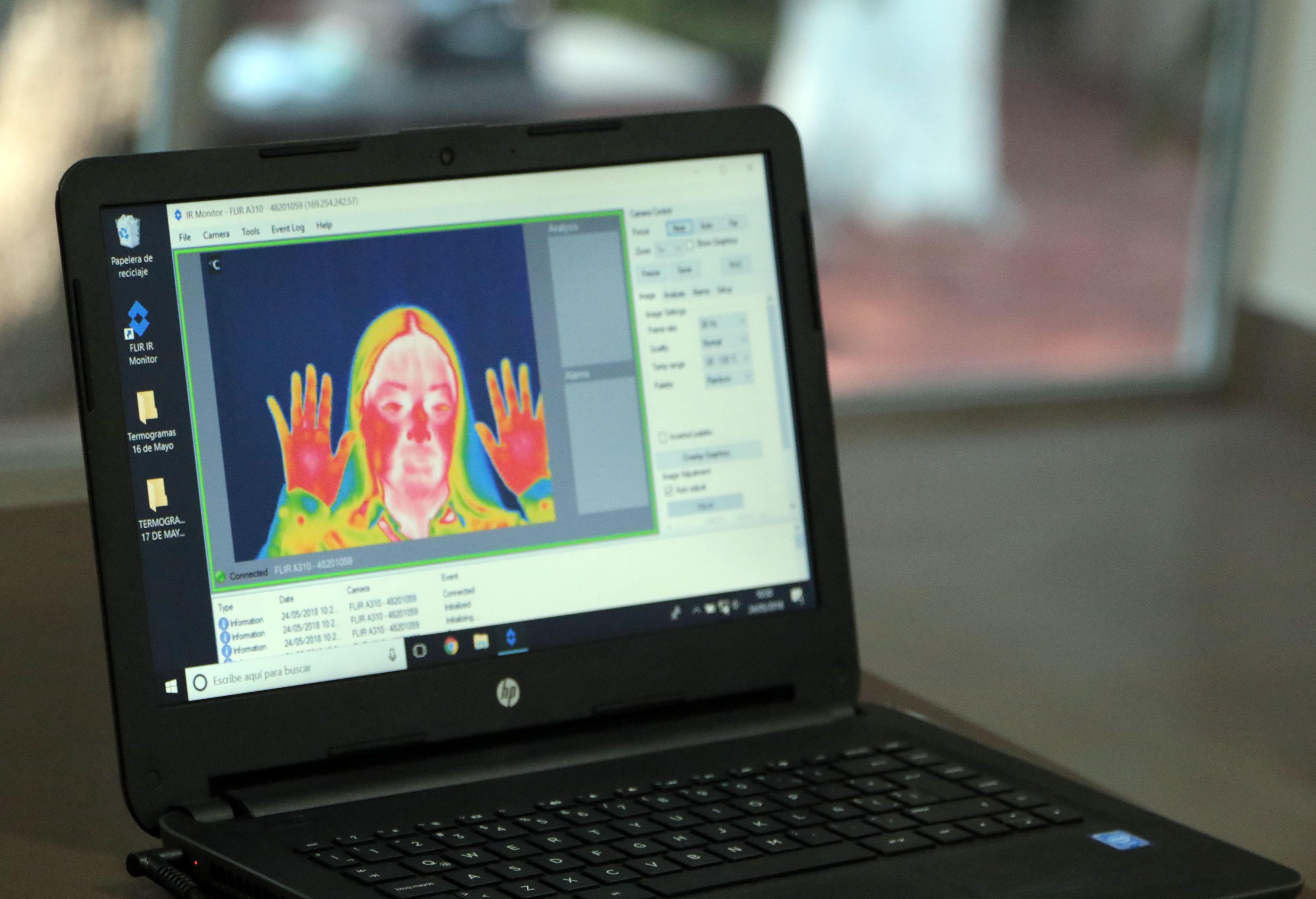 Imagen en lap top que arroja el dispositivo para detección de emociones