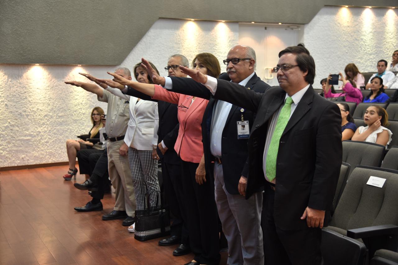 Jefes de Departamento Segunda División rindiendo protesta