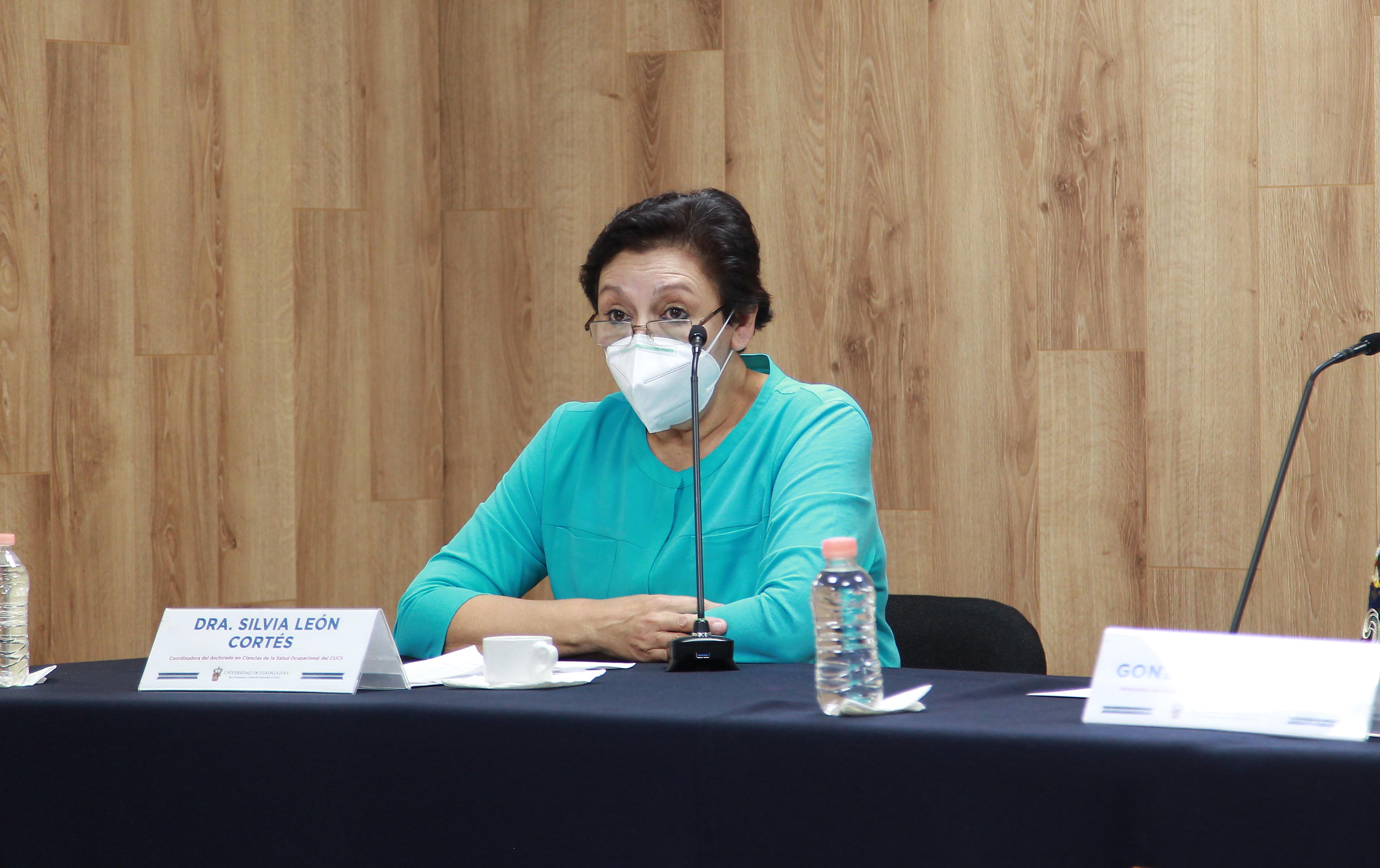 Dra Silvia León