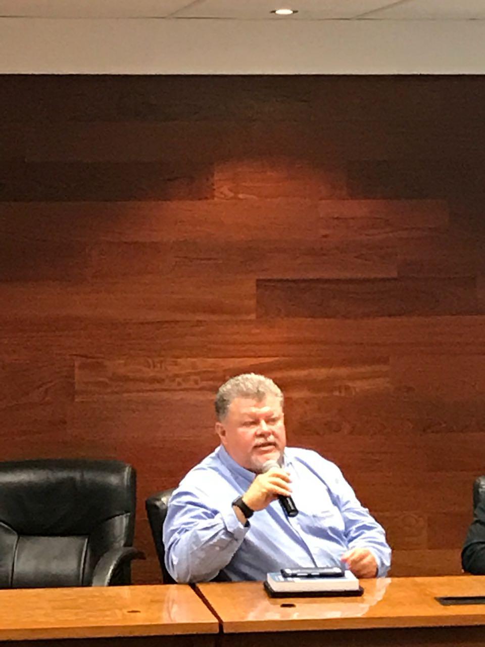 Dr. Jesús Navarro Torres de OMER en conferencia