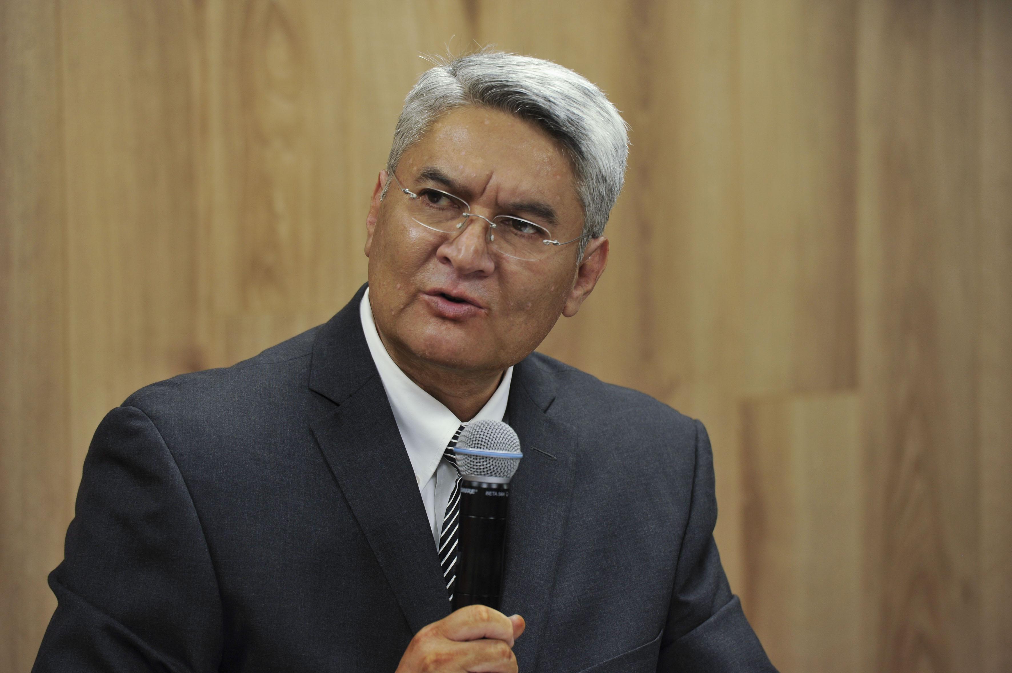 Dr. Rodrigo Ramos en Rueda de Prensa