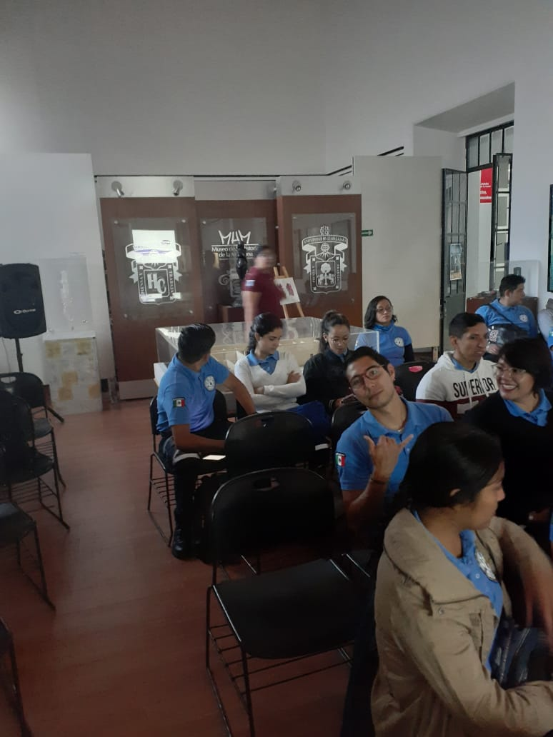 Alumnos de medicina y TSU en Emergencias en Conmemorarción por el Día Mundial del Corazón