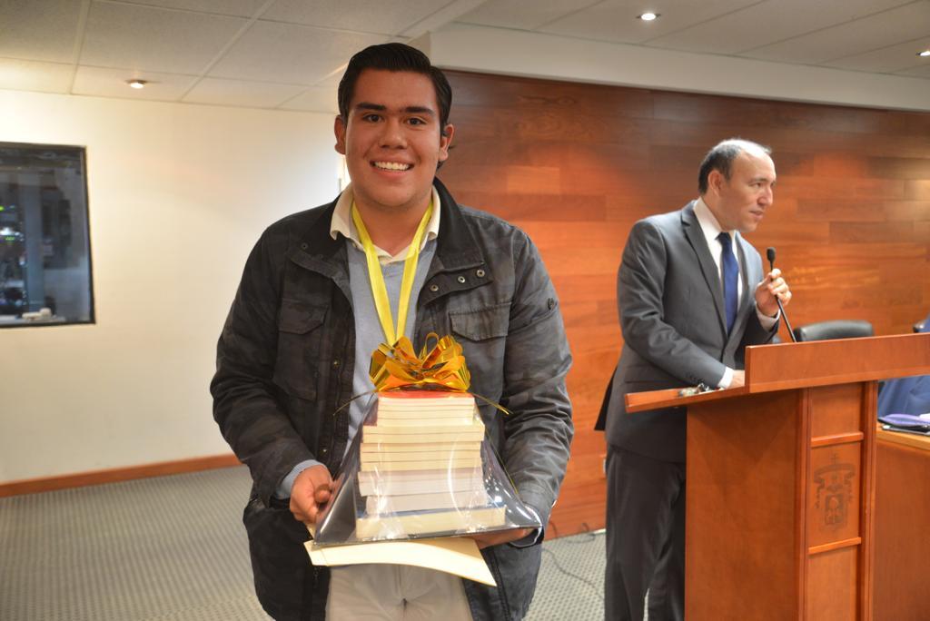 Alumno de CUCS  ganador