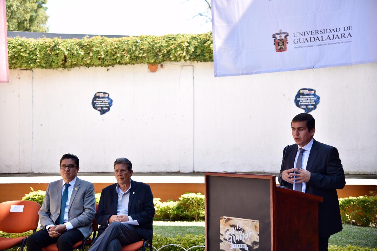 Director General del SEMS ofreciendo mensaje en el lanzamiento del proyecto