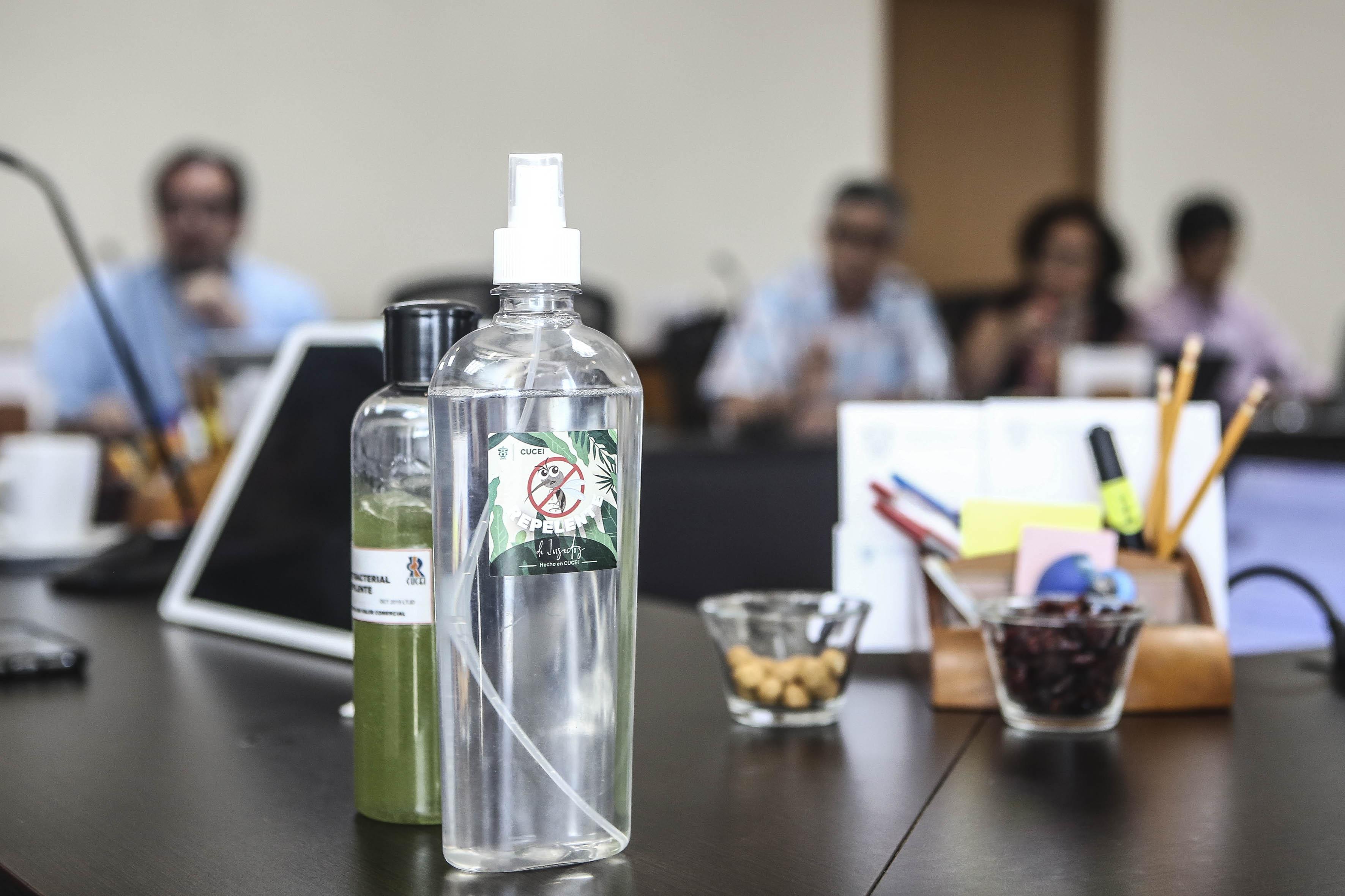 Repelente contra el mosquito presentado en la reunión
