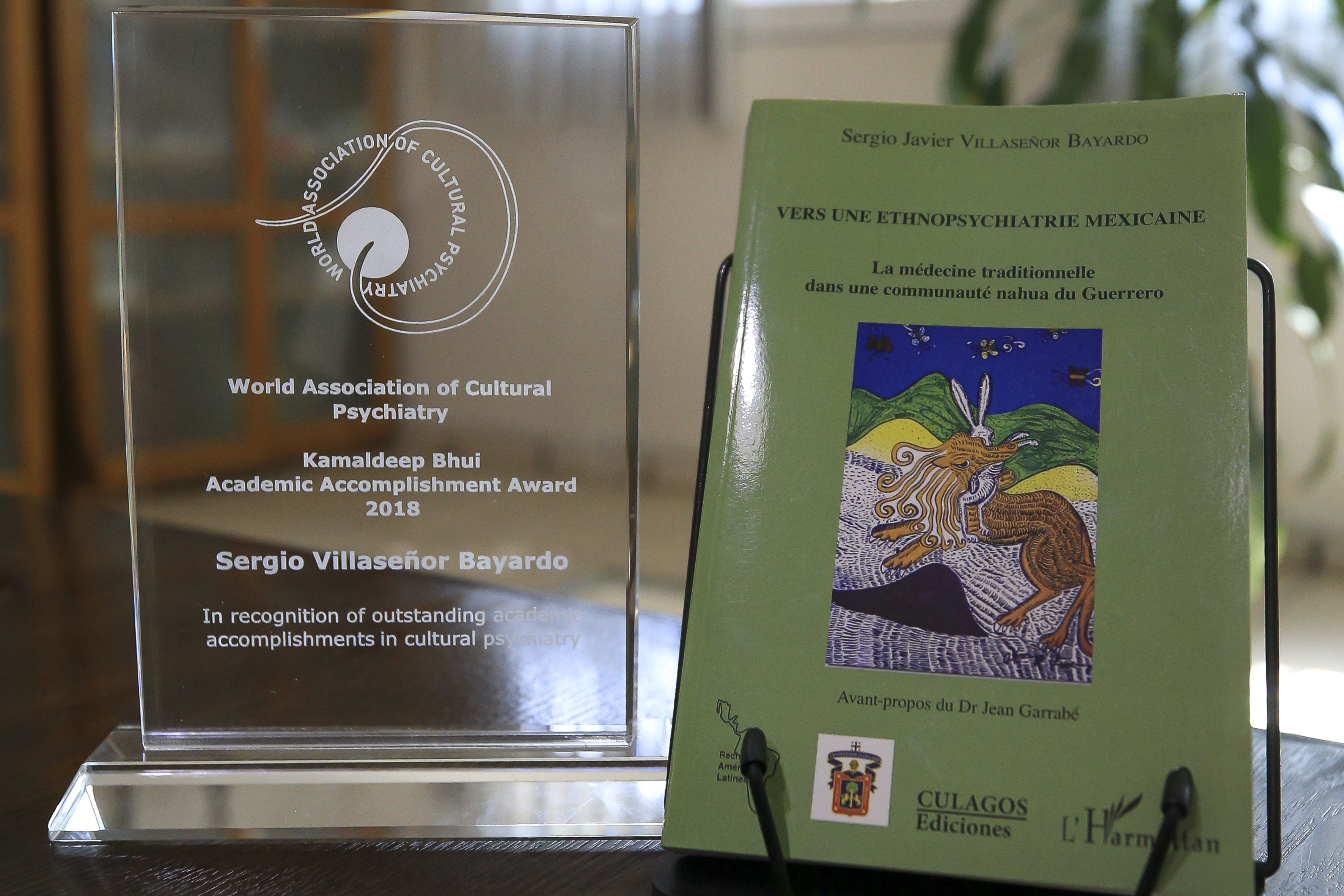 Premio y libro del Dr. Sergio Villaseñor