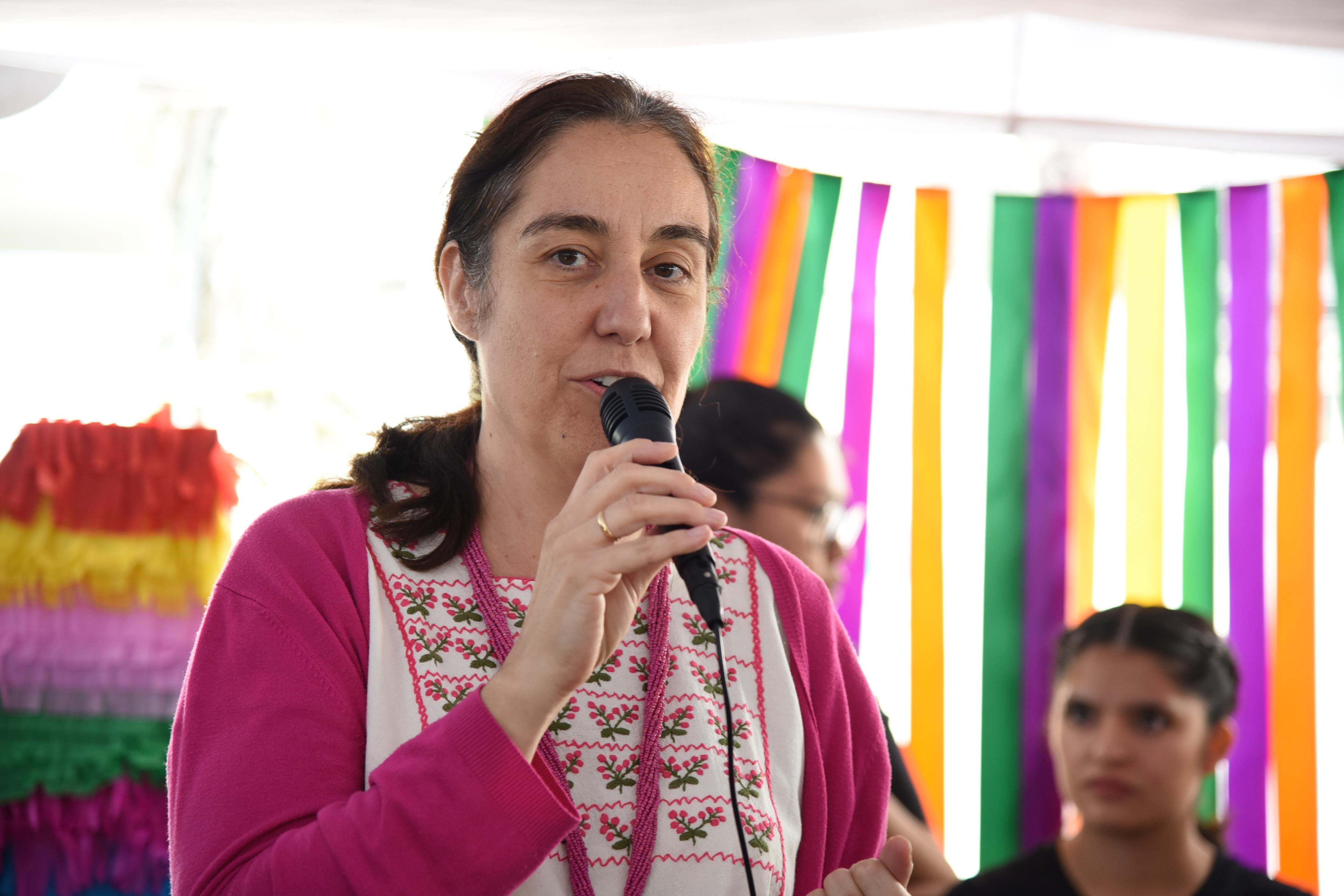 Dra. Bárbara Vizmanos inaugurando la Expo