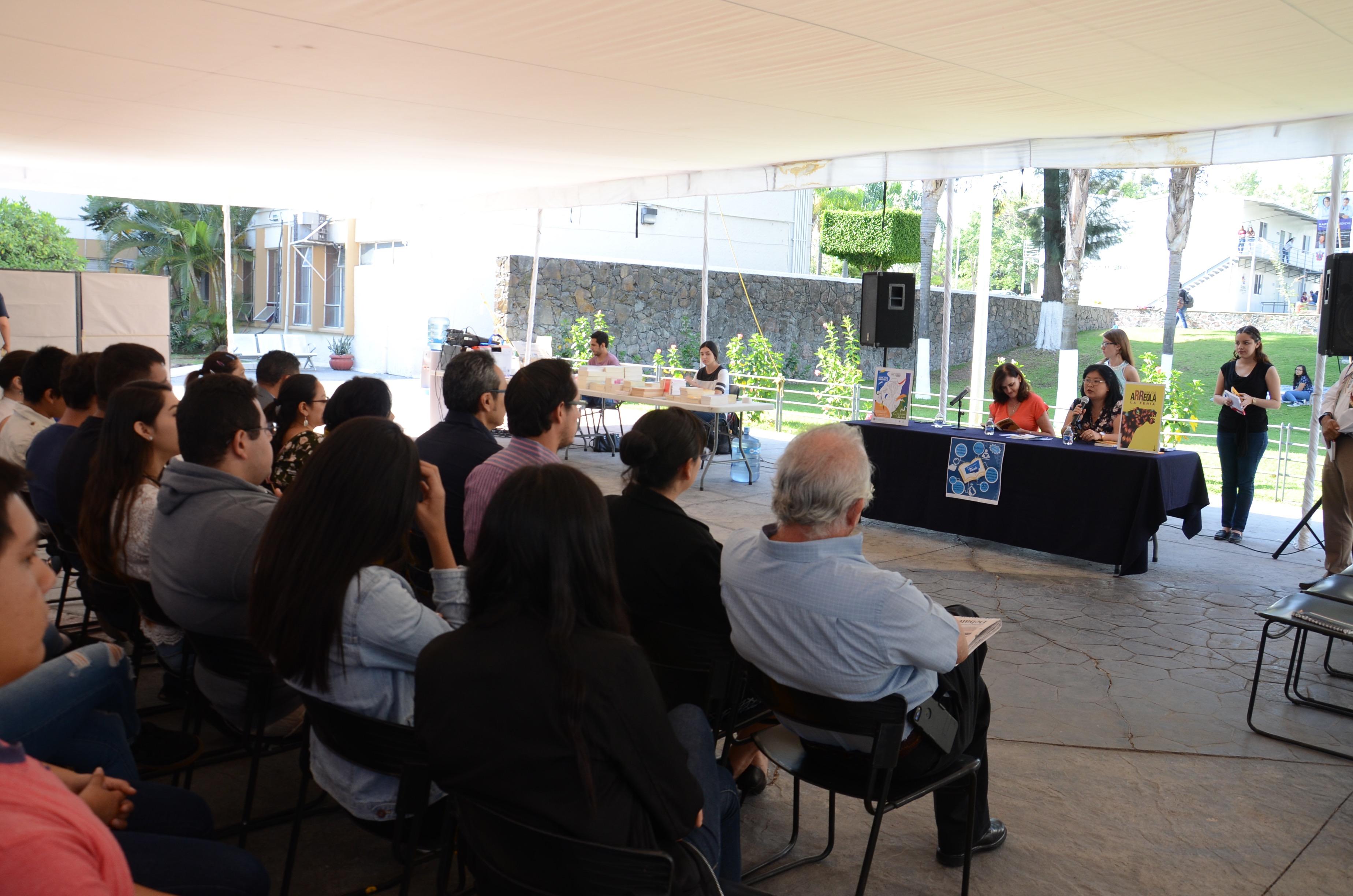 Imagen panorámica del la celebración del Día del Libro en CUCS