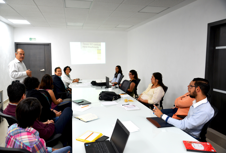 Miembros del Comité de Sustentabilidad en sesión de trabajo