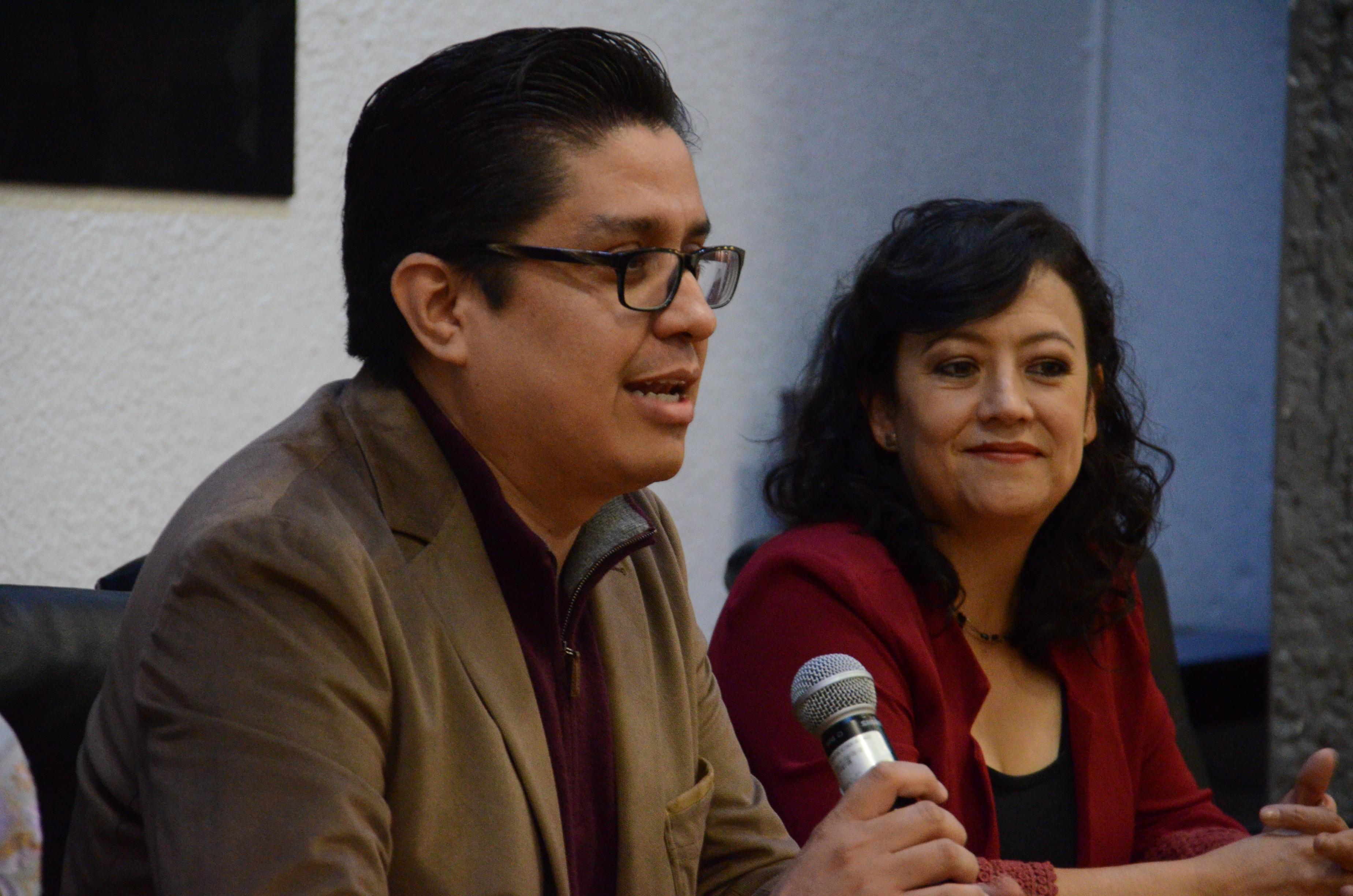 Dr Francisco Muñoz Valle al micrófono