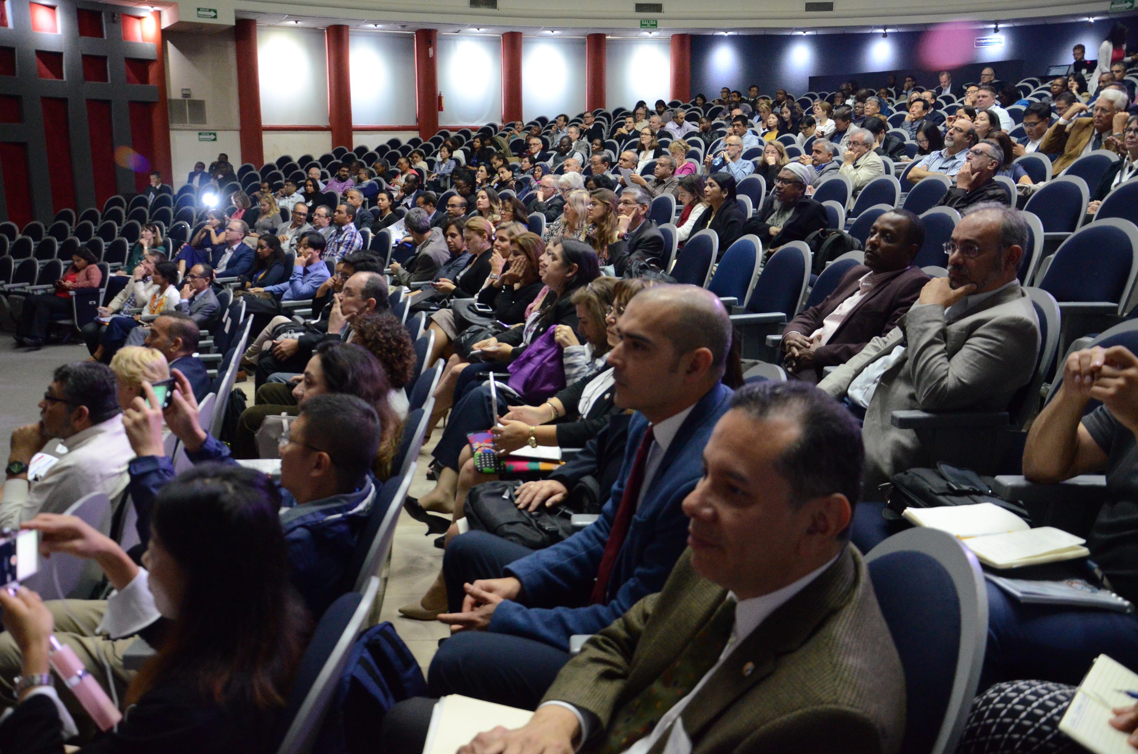 Vista de los asistentes al Simposio