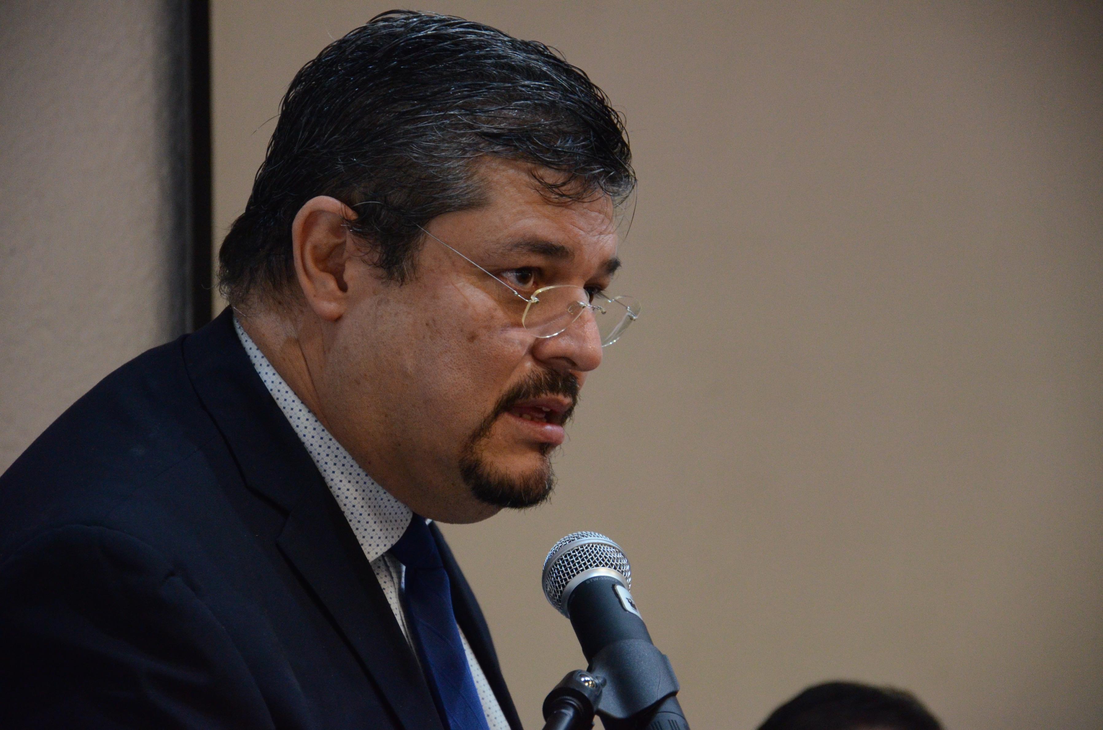Dr. Gonzalo Sánchez ofrece discurso de despedida como alumno