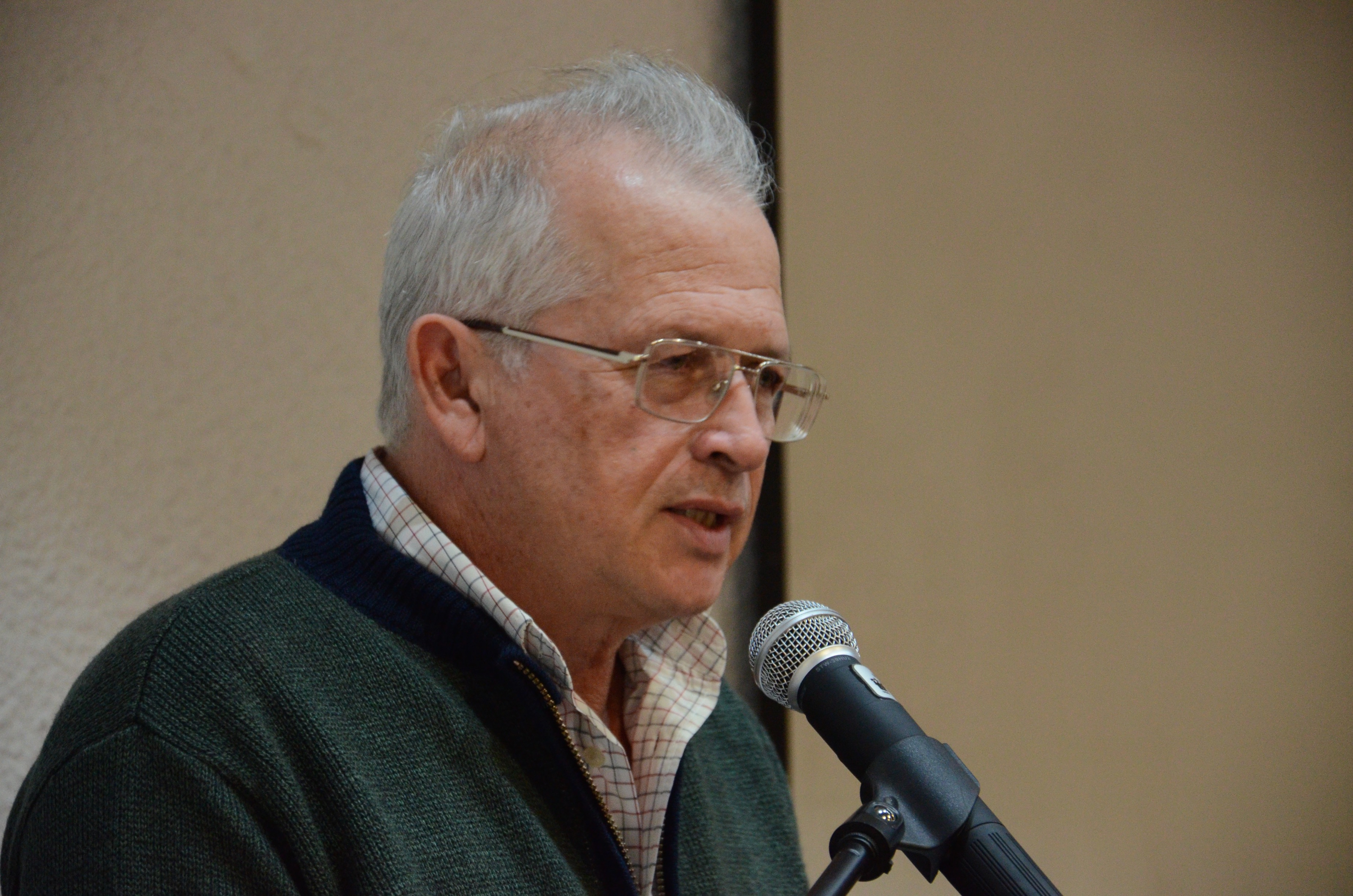 Dr. Alfredo Celis dicta discurso de despedida a nombre del Rector del CUCS