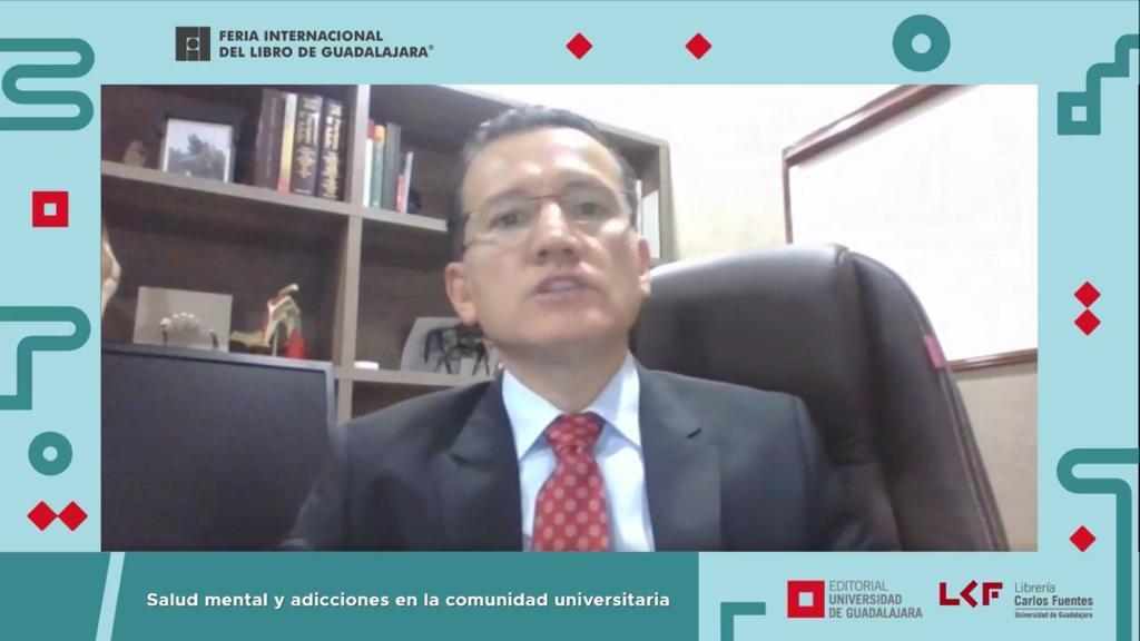 Captura de pantalla del Dr. Eduardo Gómez Sánchez en la presentación del libro