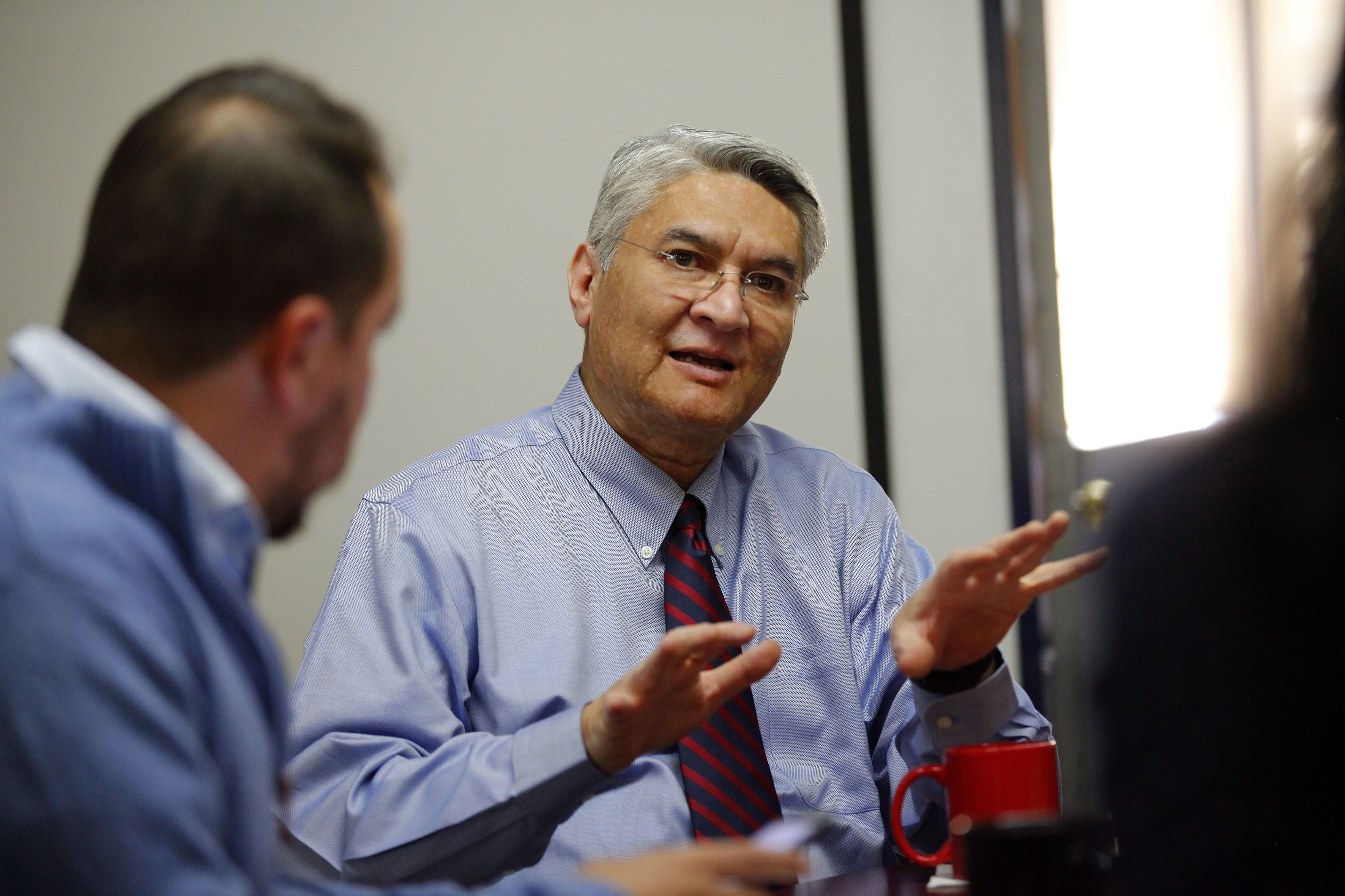 Dr. Rodrigo Ramos en entrevista