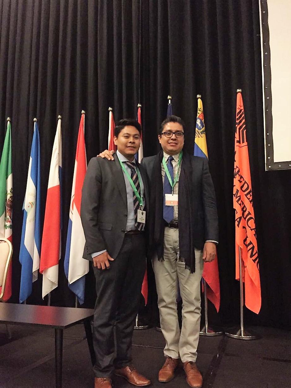 El maestro Jorge Hernández Bello junto al Doctor José Francisco Muñoz Valle