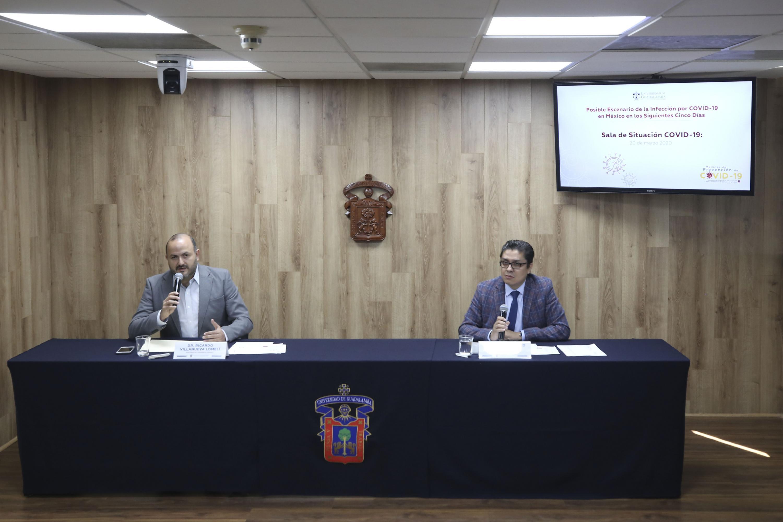 Miembros del presidium en la Rueda de Prensa