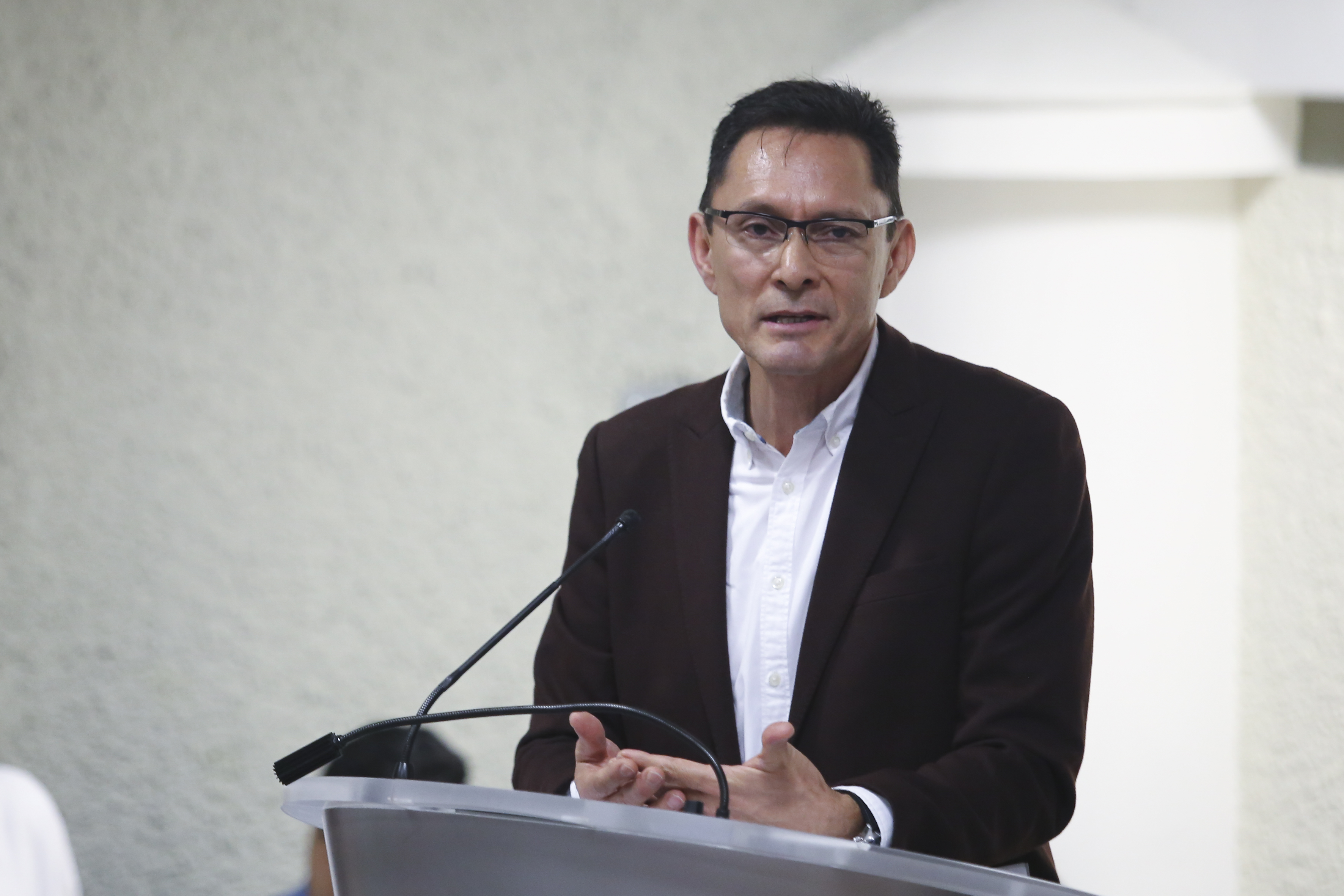 Dr. Martín Actos coautor del libro