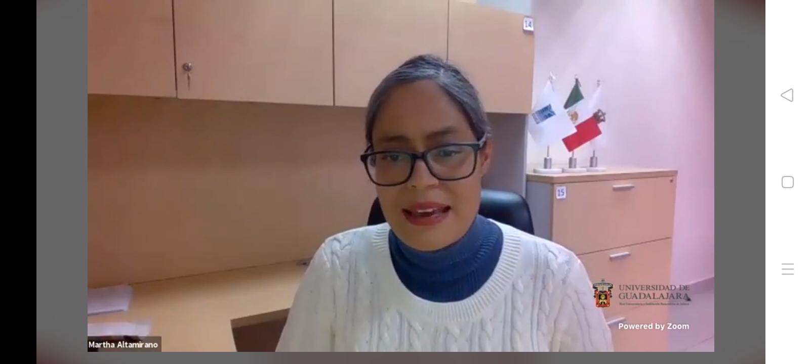 Coordinadora de la Licenciatura en Nutrición en su mensaje de bienvenida al Webinar