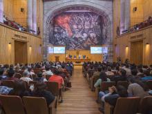 Vista general del Paraninfo Enrique Díaz de León en el acto de clausura del Congreso de Responsabilidad Médica