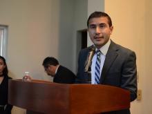 Lic. Anthony Gabriel Alonso, tomando la palabra en el XXXV Aniversario Lic. Cultura Física y Deportes
