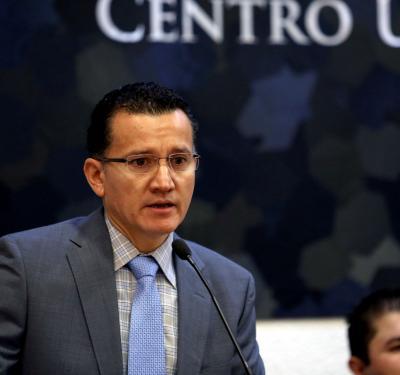 Dr. Eduardo Gómez, inaugurando el Foro