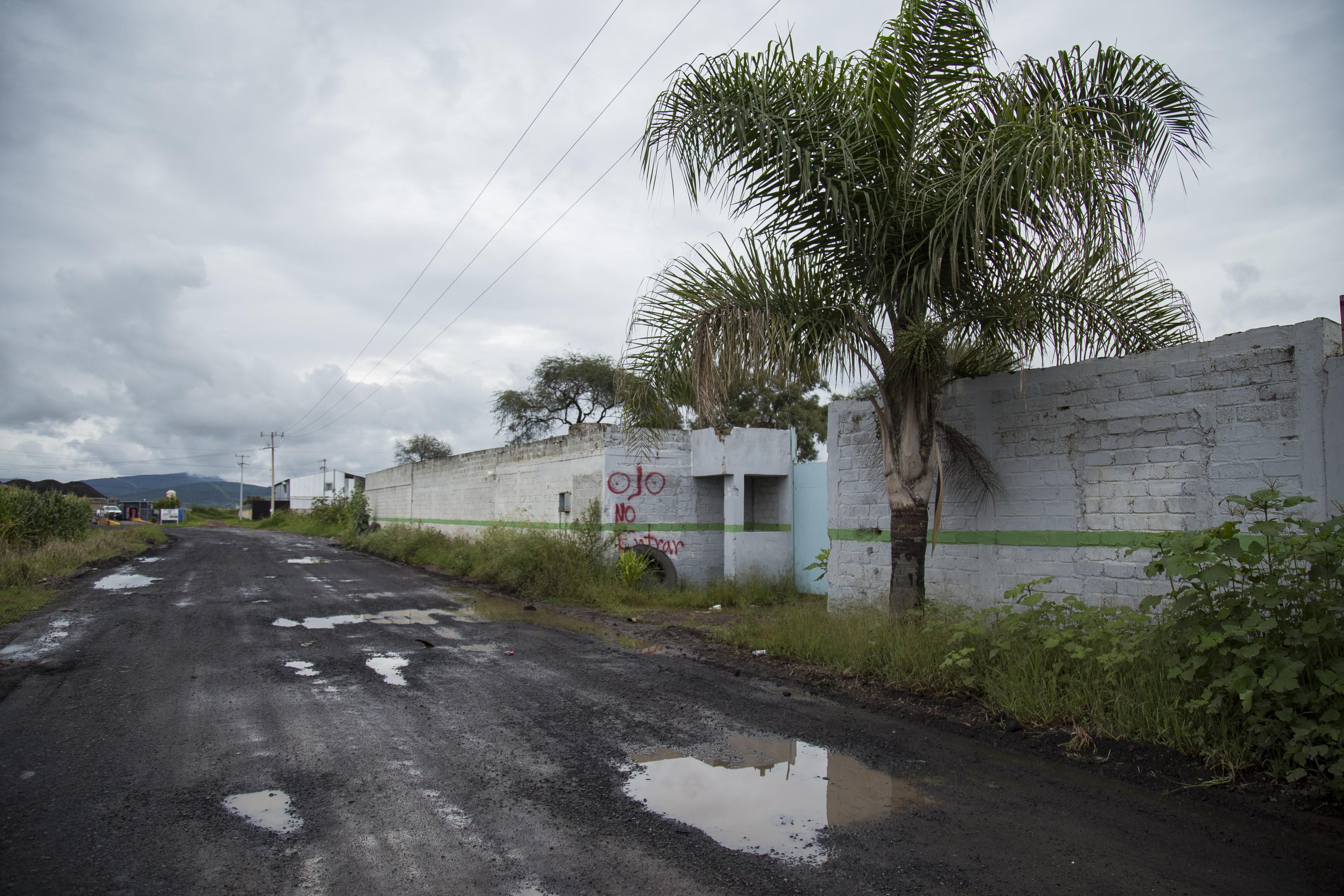 Camino en El Salto con infraestructura deficiente