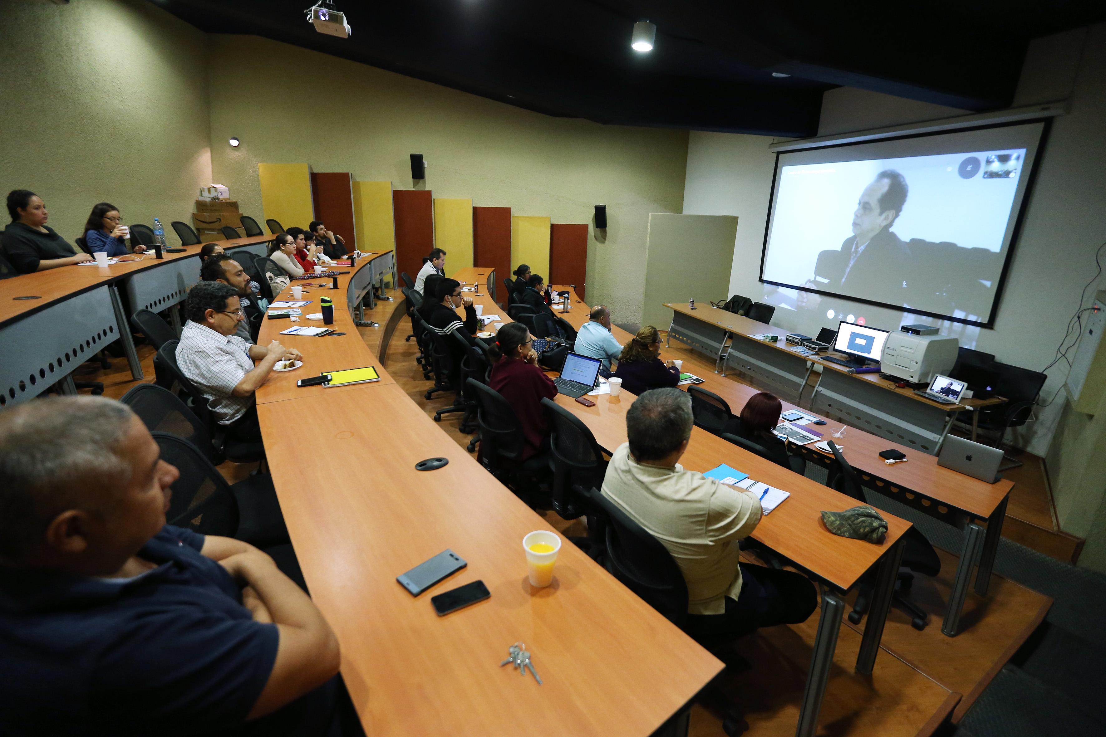 Videoconferencia  sobre hongo que combate al mosquito que transmite el dengue